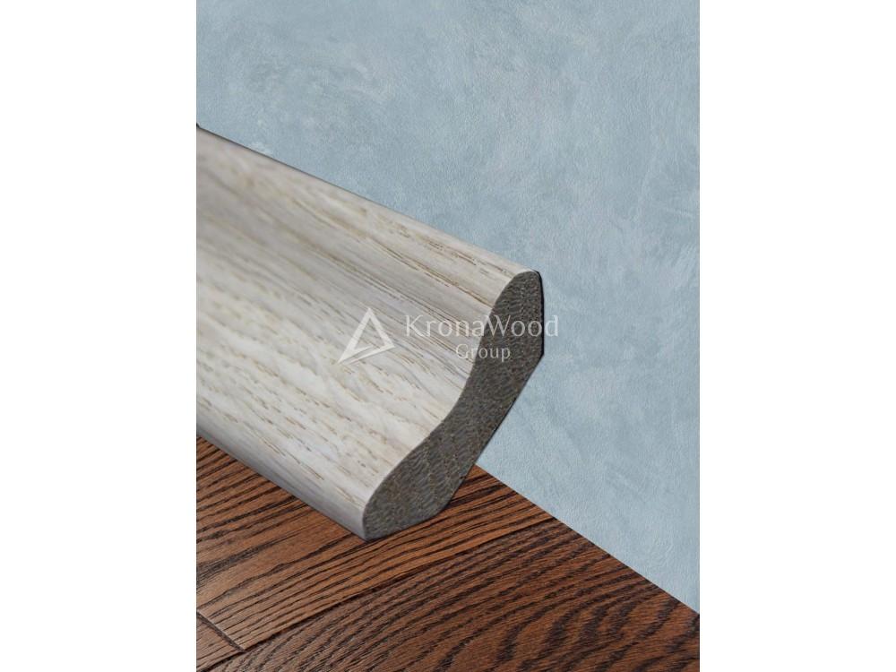Плинтус из массива дуба угловой профиль Гладкий 43 мм